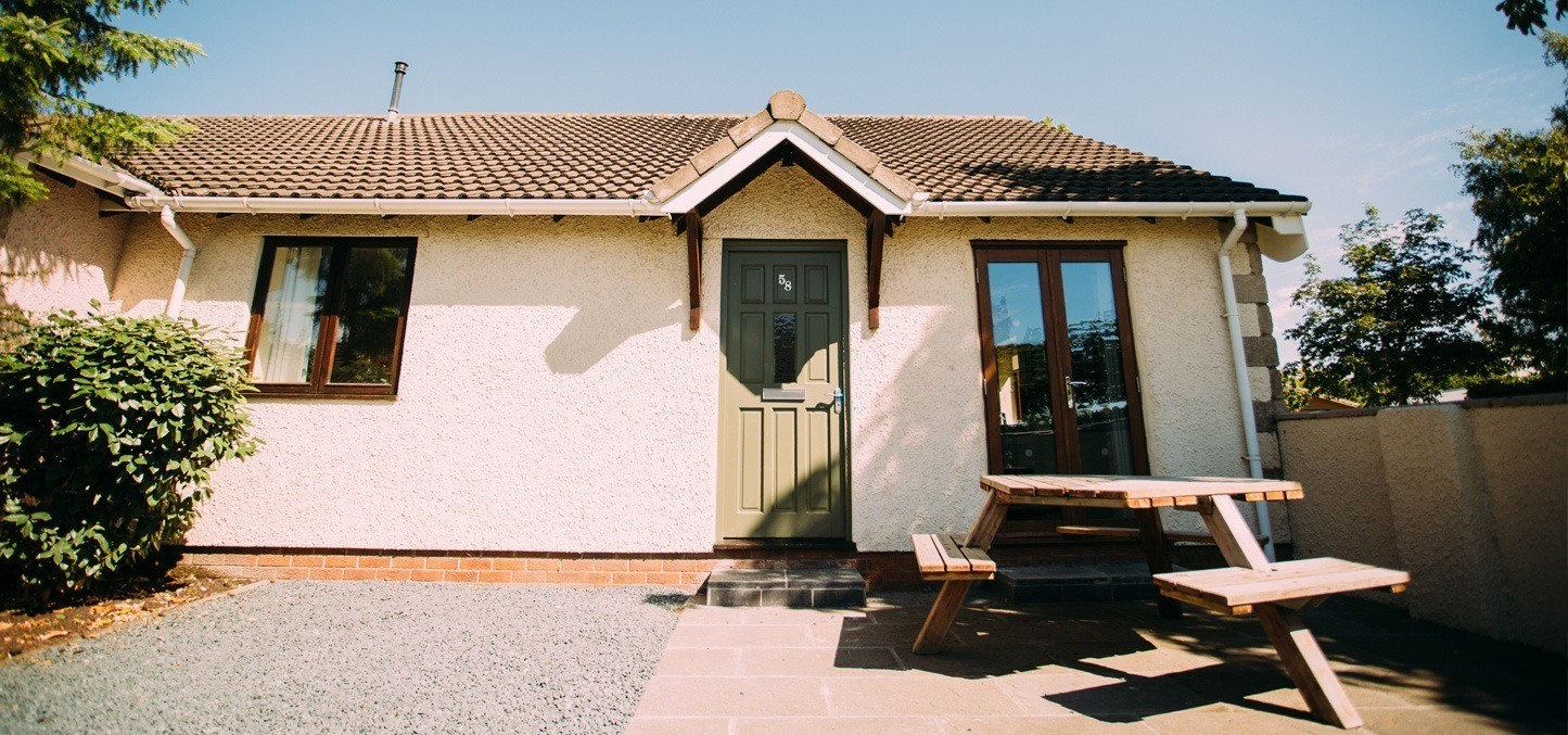 Excellent Poppy Cottage 6 Bed Accommodation Ribby Hall Ribby Home Interior And Landscaping Palasignezvosmurscom