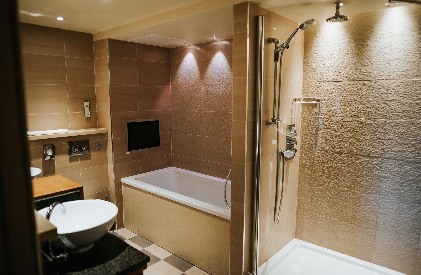 Executive Penthouse Suite